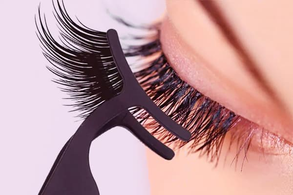 Clip on magnetic lash